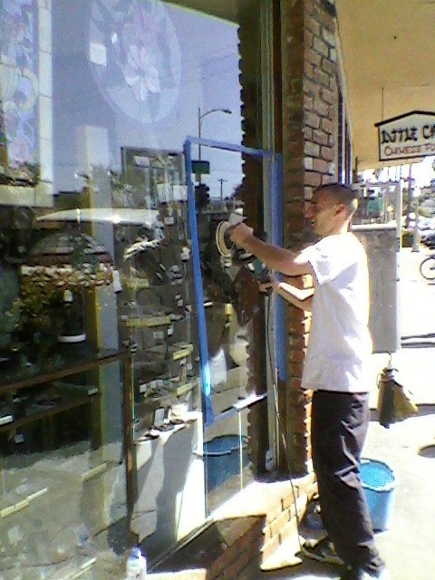 Some Ocean Beach merchants repaired the glass scratched by vandals