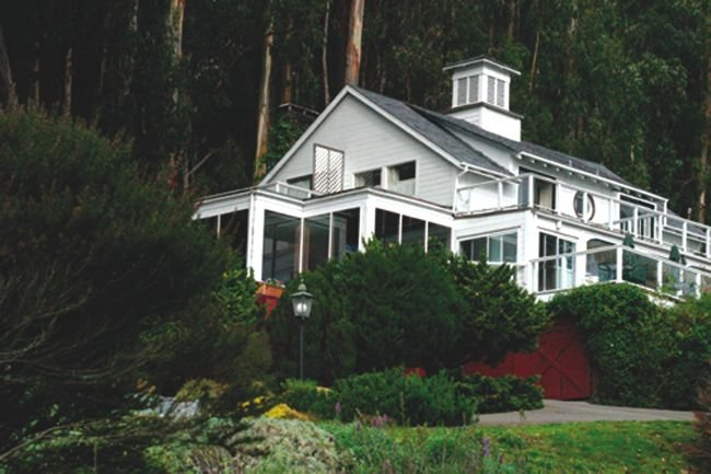 The O'Connor sisters' lawsuit centers around the Heritage House Inn on the Mendocino coast.