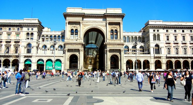 How Milan does shopping malls: the classical façade of Galleria Vittorio Emanuele II.