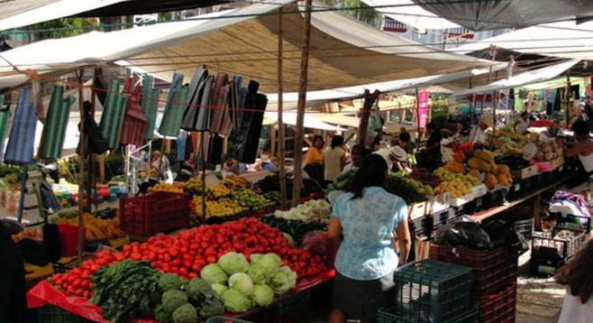 Shopping at a Cuetzalan tianguis.