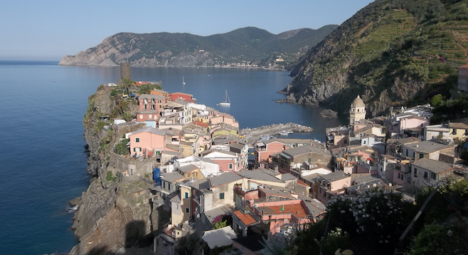Gorgeous morning in Vernazza.