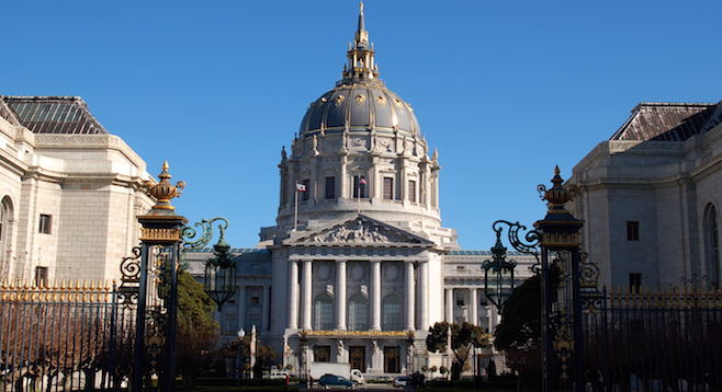 The classical exterior of San Francisco's itinerary–worthy City Hall.