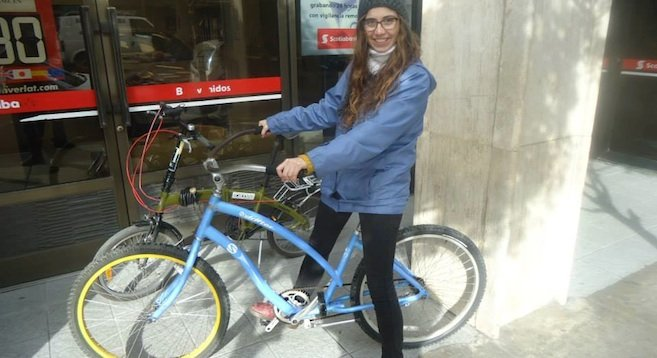 Marifer Treviño with her bike.