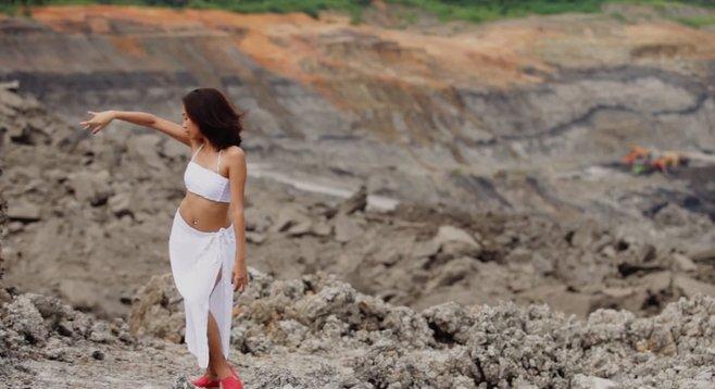Rizki Suharlin Putri performs Yola Yulfianti's Update Status, one of six dance numbers featured in Mark Freeman's Rasa Dari Tari/Soul of Dance.