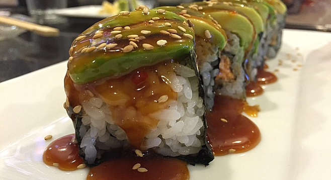 The saucy business end of a Spicy Yellowtail roll