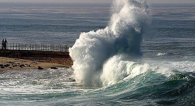 King tide at La Jolla Cove