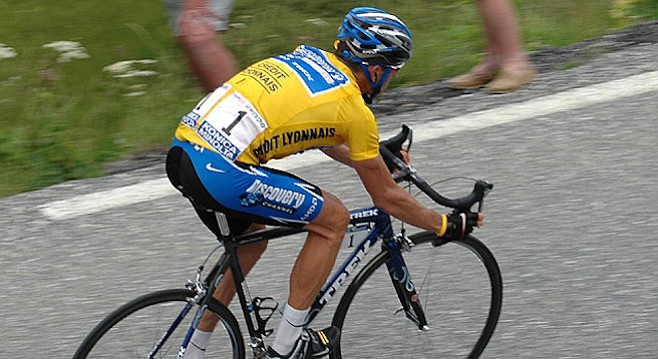 Armstrong wearing the yellow jersey at the 2005 Tour de France.