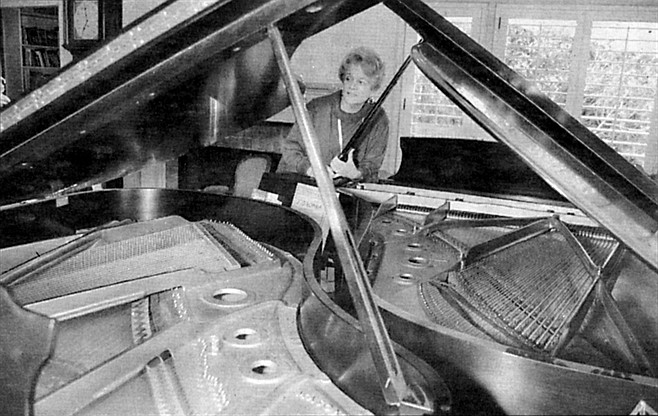 """Susan Dramm: """"Very few of my friends have pianos anymore."""""""