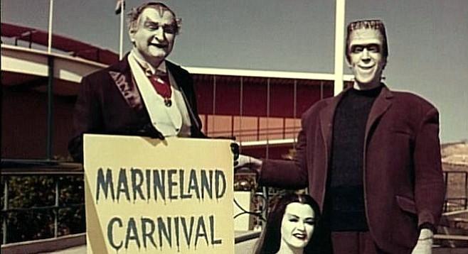 Al Lewis, Fred Gwynne, and Yvonne DeCarlo hit a reef at Marineland.
