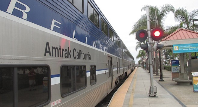 Amtrak's Surfliner at the Encinitas station