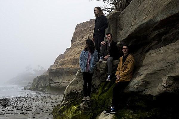 Düüns and cliffs.