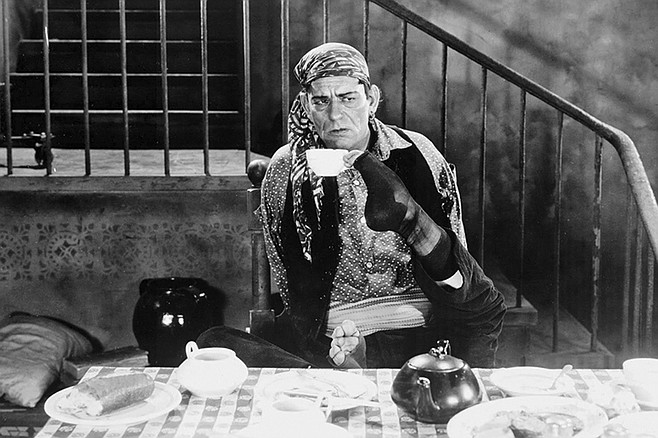 "The Unknown: ""Don't worry, he's 'armless."" Lon Chaney stars in Tod Browning's creep-fest."