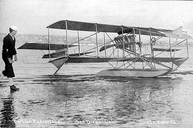 One of Glenn Curtiss's prototypes, beached on North Island