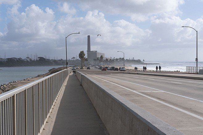 Carlsbad Boulevard has a Class II bike trail as it c rosses Hedionda Lagoon