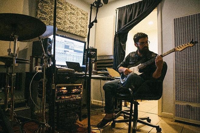 Fernando Gomez performs under the moniker Nondoh.