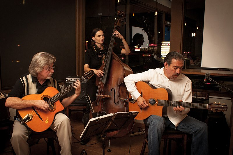 the gypsy swing cats and the Scott fore & kitty amaral - presented by cavulus friday she aptly uses to play the famous and historical jazz called 'gypsy swing' the stray cats.