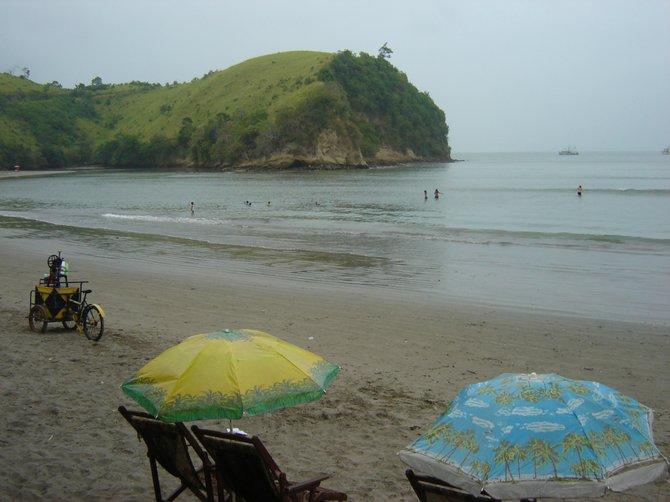 Ecuador: Tropical Beach meets the Rain Forest.