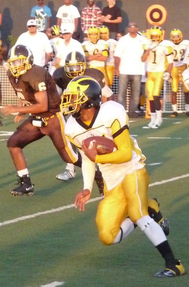 2009 High School Football Photos photo