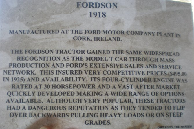 Antique Gas and Steam Engine Musuem - 1918 Fordson tractor description