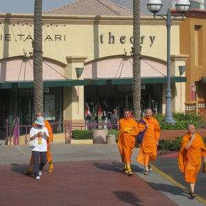 Buddhist monks getting their shop on at the Palm Springs outlet