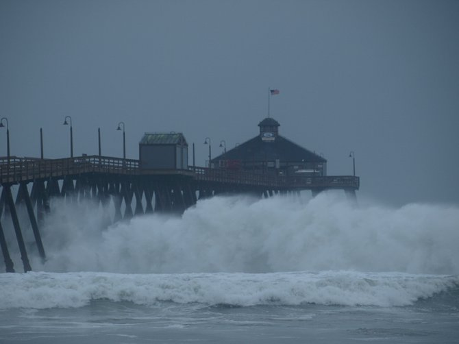 Big Wed massive sets closed the pier today @ 4pm. Waves broke 200 yards from the end of the pier.