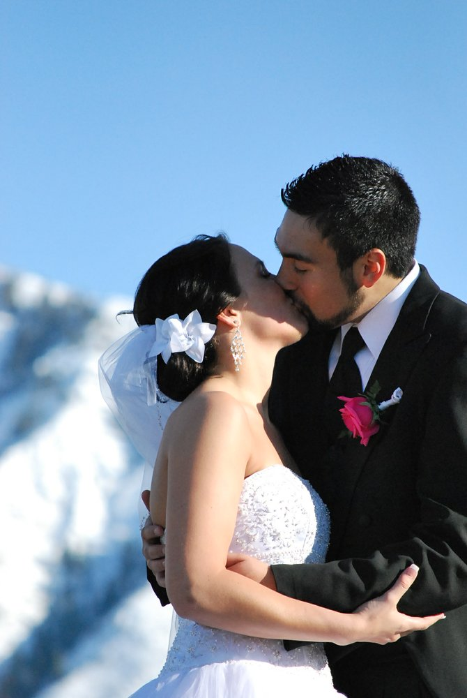 Love in the snow, Elkridge Utah
