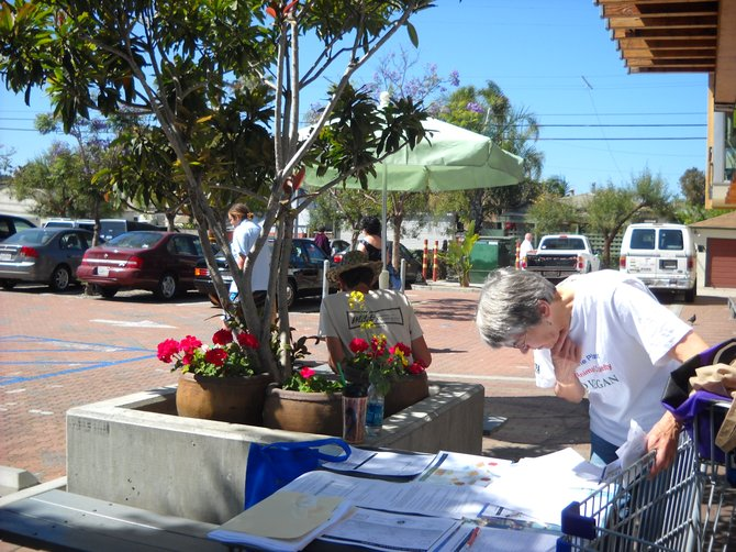 Chelsea's Law petition signing event-May 29-at Ocean Beach People's Food Coop.