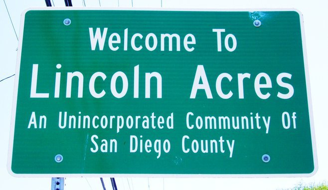 The community sign for Lincoln Acres.
