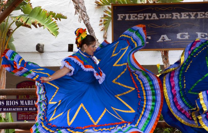 Fiesta de Reyes Dancing.One of our favorite places to spend time in old town.