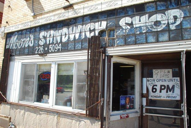 Moon's Sandwich Shop