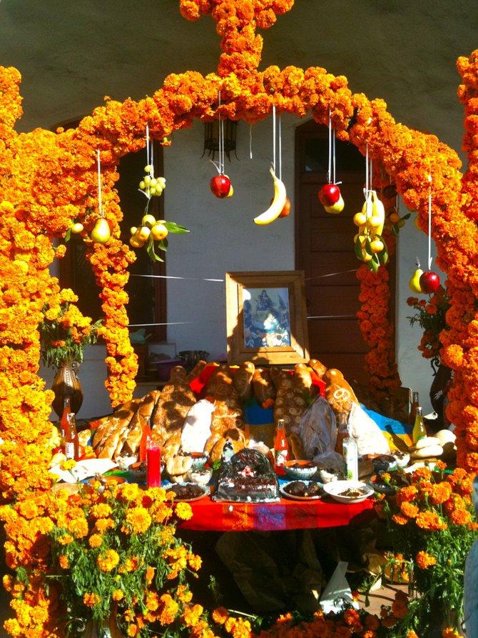 Ofrenda: Dia De Los Muertos Festival, Mission San Luis Rey De Francia, Oceanside, CA