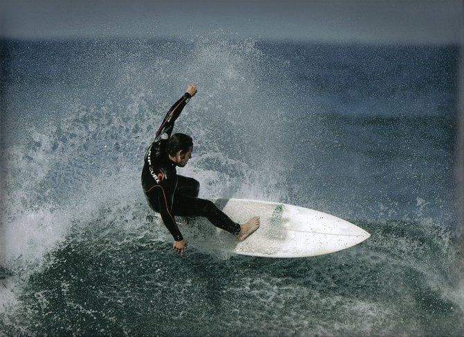 Shredding the waves--James Van Wormer at Avalanche, Ocean Beach