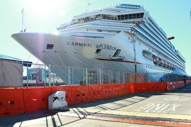 Carnival Ship Splendor 11/11/2010