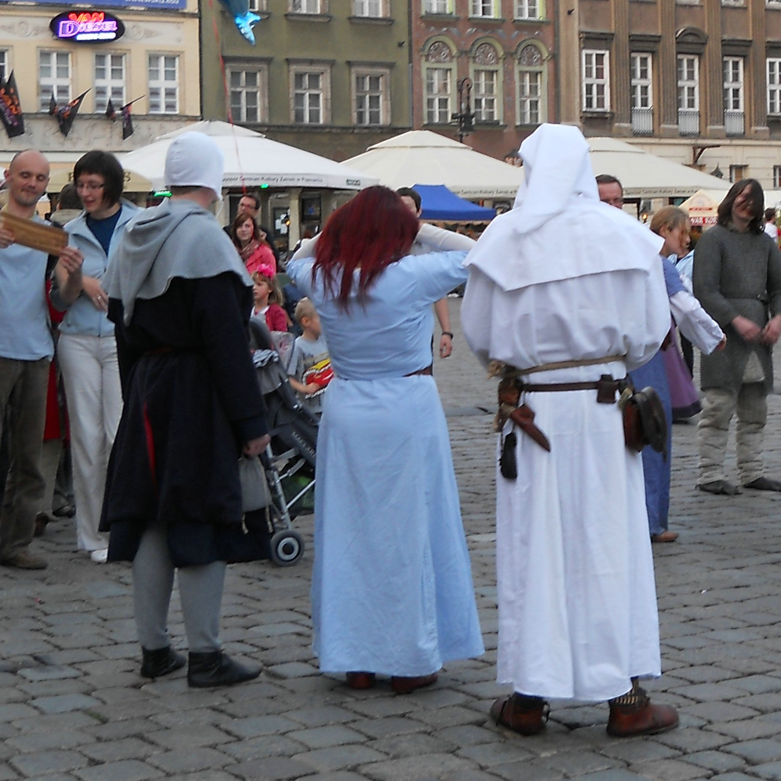 Their Old Style of Dress (Middle Ages fashion in Poznan)