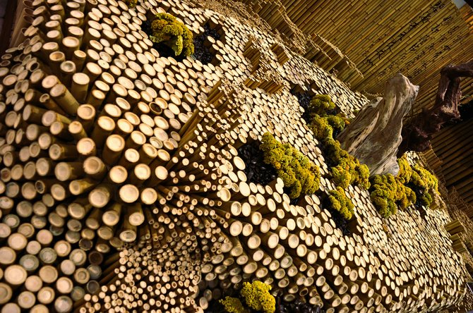 The Taipei flora expo is the largest flower exhibit in the world, with 79 hectares and 14 pavilions of incredible veggies :) This is one of the top 10 indoor exhibits, made entirely of bamboo.