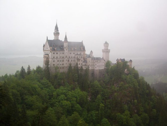 Disneyland was designed from Neuschwanstein Castle....