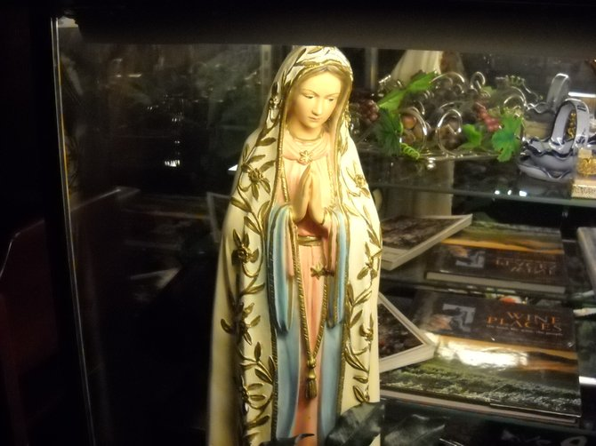 The good Catholics at Portugalia love the Mother Mary!