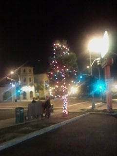 A Holiday night in Sherman Heights (25th and Imperial).