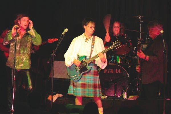 San Diego singer-actor Eric Sage fronts nostalgia act with a tagline: The Bay City Rollers featuring Ian Mitchell.