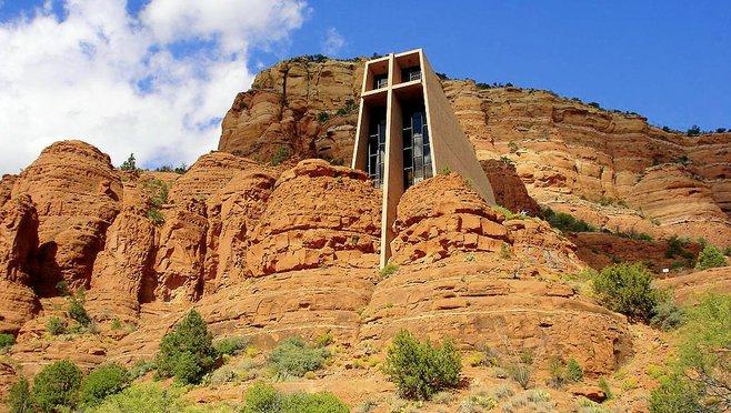 Arizona chapel of the holy cross sedona arizona for Sedona architects