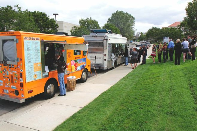 MIHO serves lunch in Sorrento Valley most Thursdays.  Joes on the Nose, an organic coffee truck, joined them on March 24.