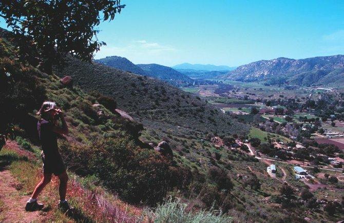Flume Trail vista — down El Monte Valley