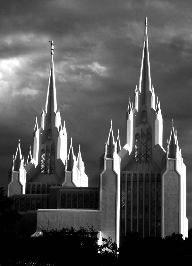 Mormon temple in La Jolla