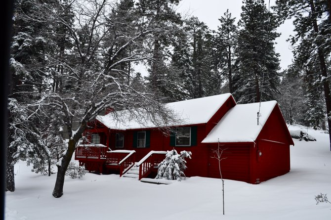While exploring the neighborhoods in Big Bear Lake, I found this red house in the middle of nowhere. Taken with my Nikon D5000 and 18-55mm lens.