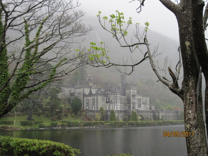 The Irish mist made Kylemore Abby even more magical. Almost like something you'd see in a fairy tale book.