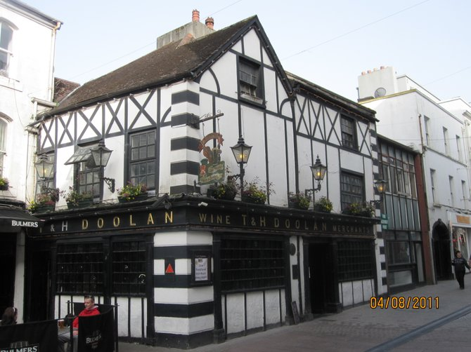 Established for over 250 years, T & H Doolan Pub in Waterford is the oldest pub in the city.