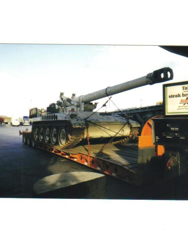 Self-propelled howitzer on lowboy, Armadillo Petro (Amarillo, TX).