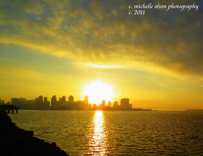 The morning sun comes up to shine down on the city of San Diego!  A gorgeous city!