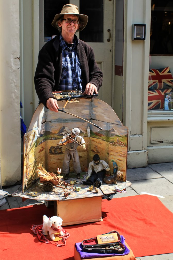 Puppeteer on High Street.