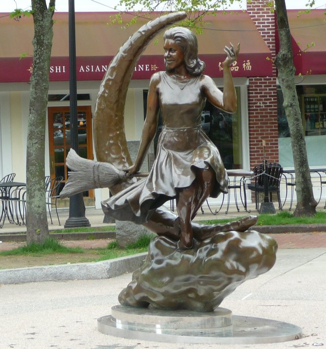Statue of Bewitched's Elizabeth Montgomery